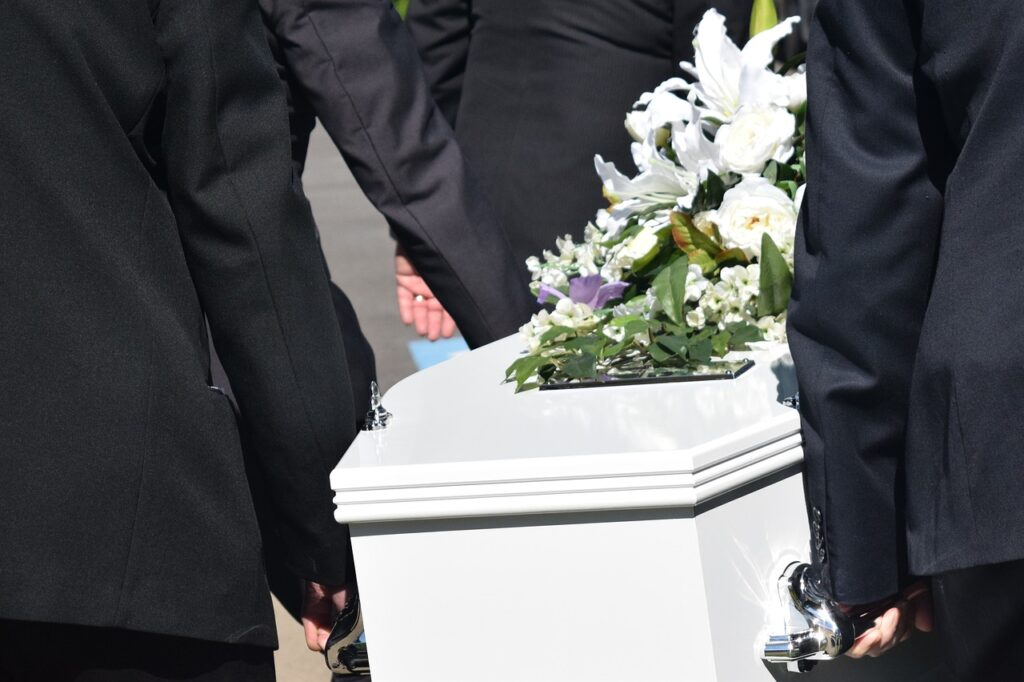 Illustration •Quels objets peut-on mettre dans le cercueil d'un défunt ?