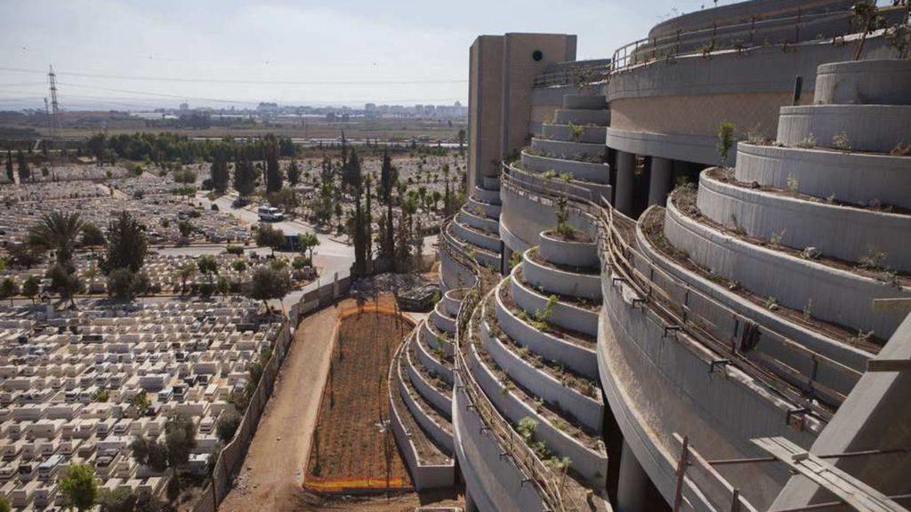 Illustration •Le cimetière vertical : nouveau concept pour faire face à la surpopulation ?