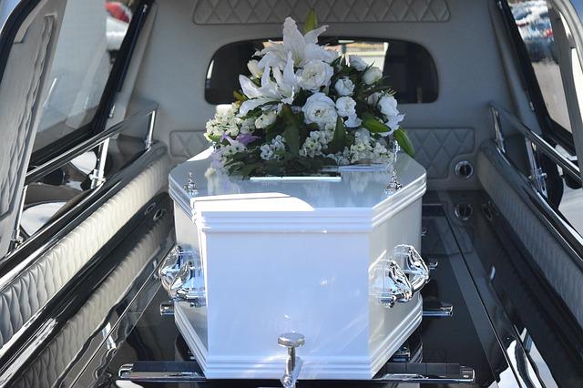 Illustration •Soigner sa sortie avec un cercueil original