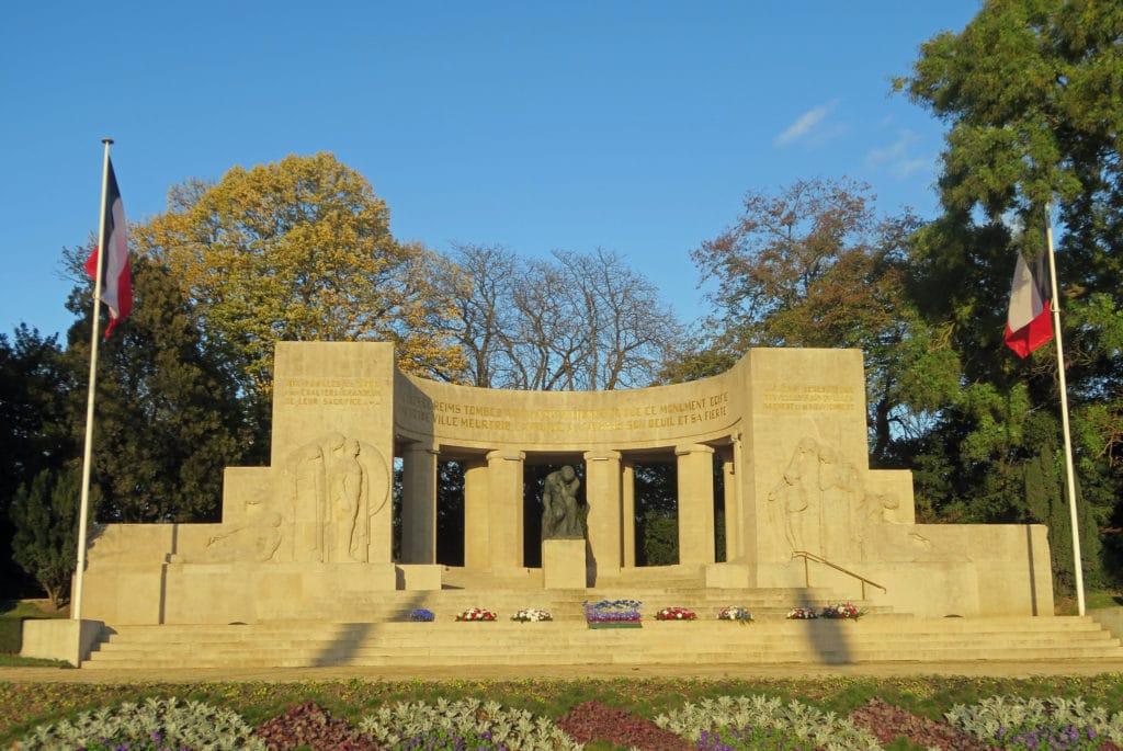 Monument aux morts à Reims, hommage aux enfants de la Première Guerre