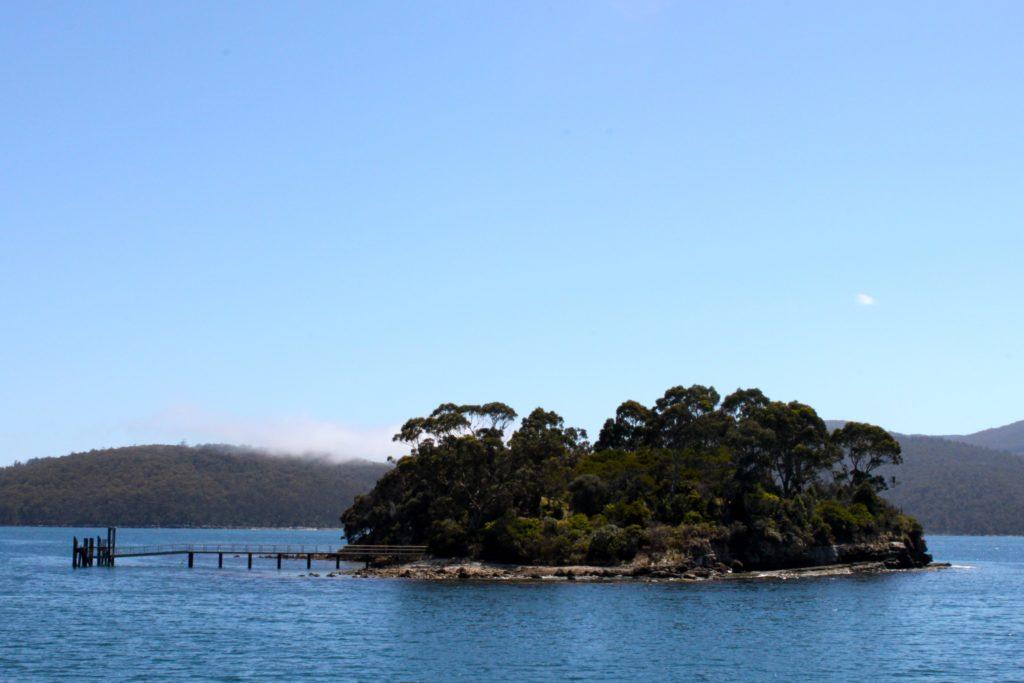 L'ile des Morts en Tasmanie, minuscule