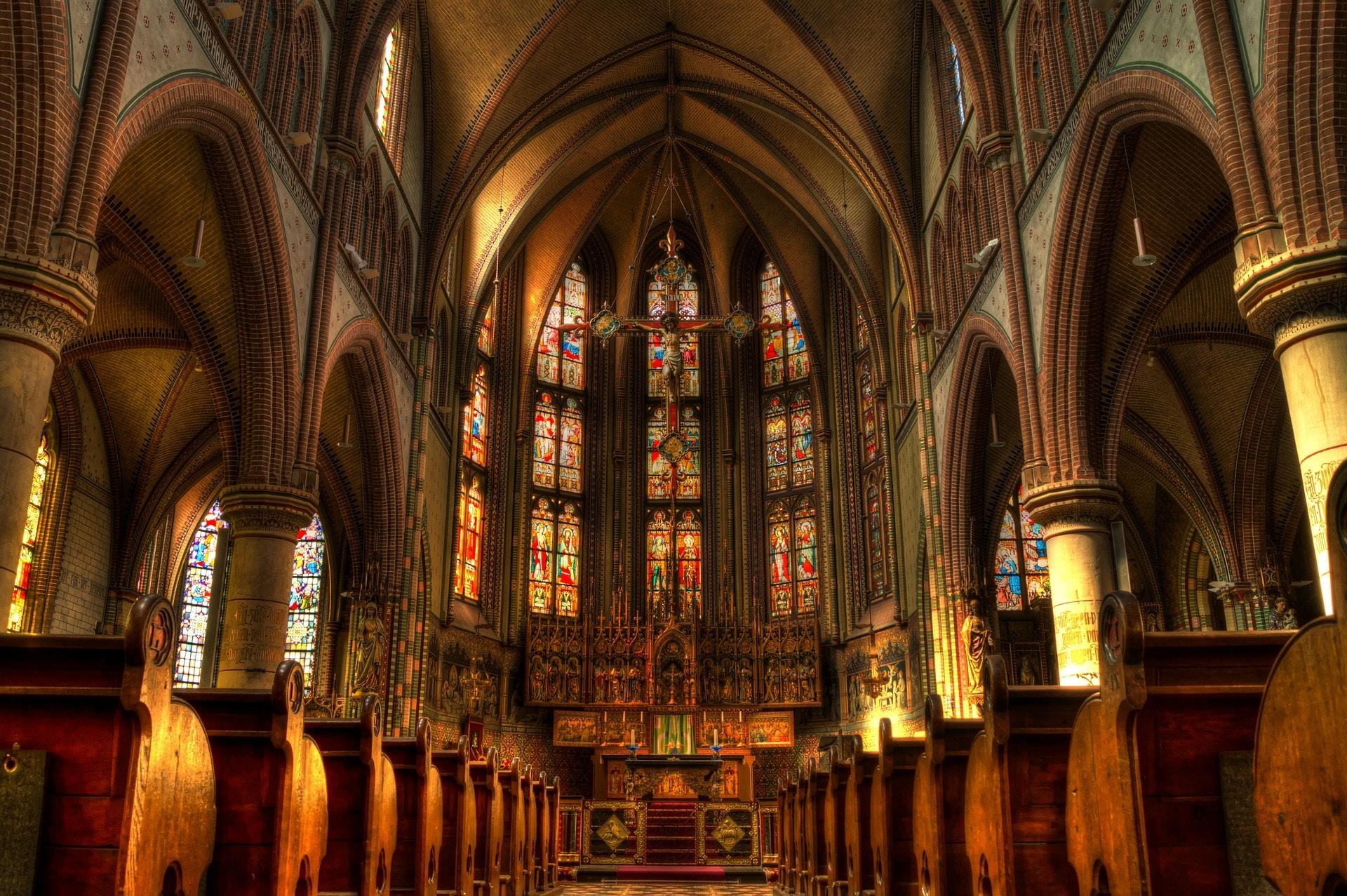 L'église, là où l'on prononce l'éloge funèbre