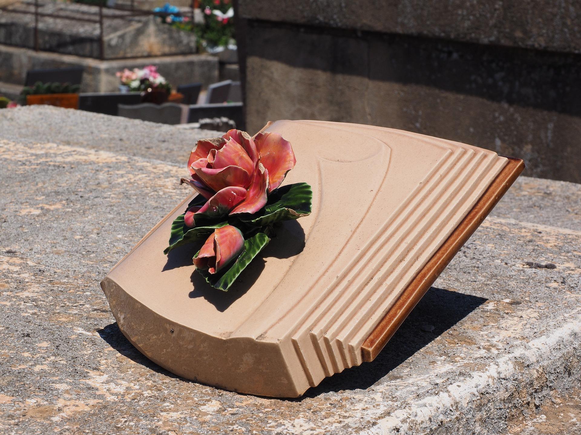 Le livre funéraire, un incontournable