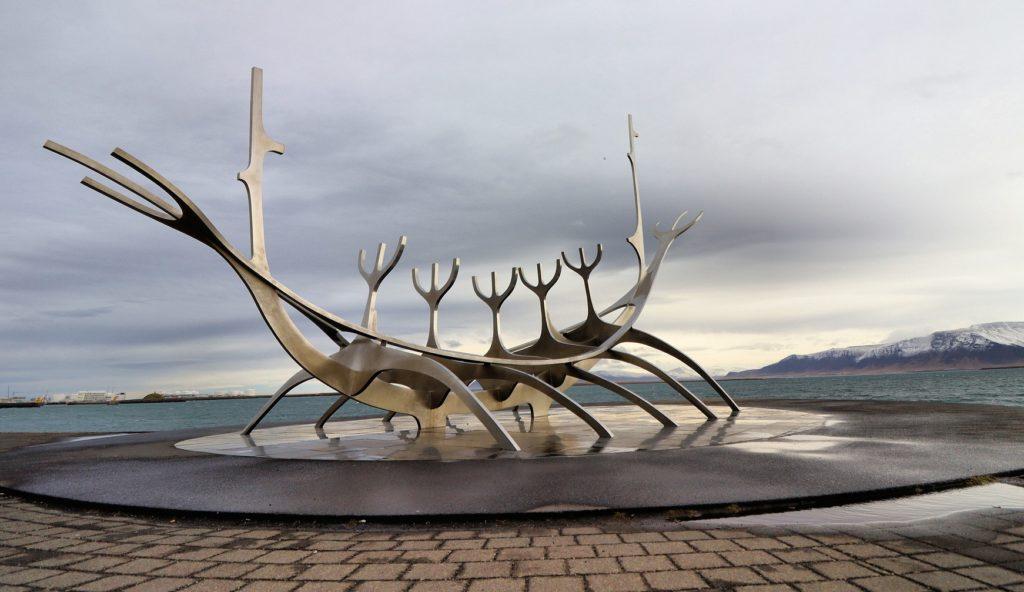 Illustration •Quels étaient les rites funéraires des vikings ?
