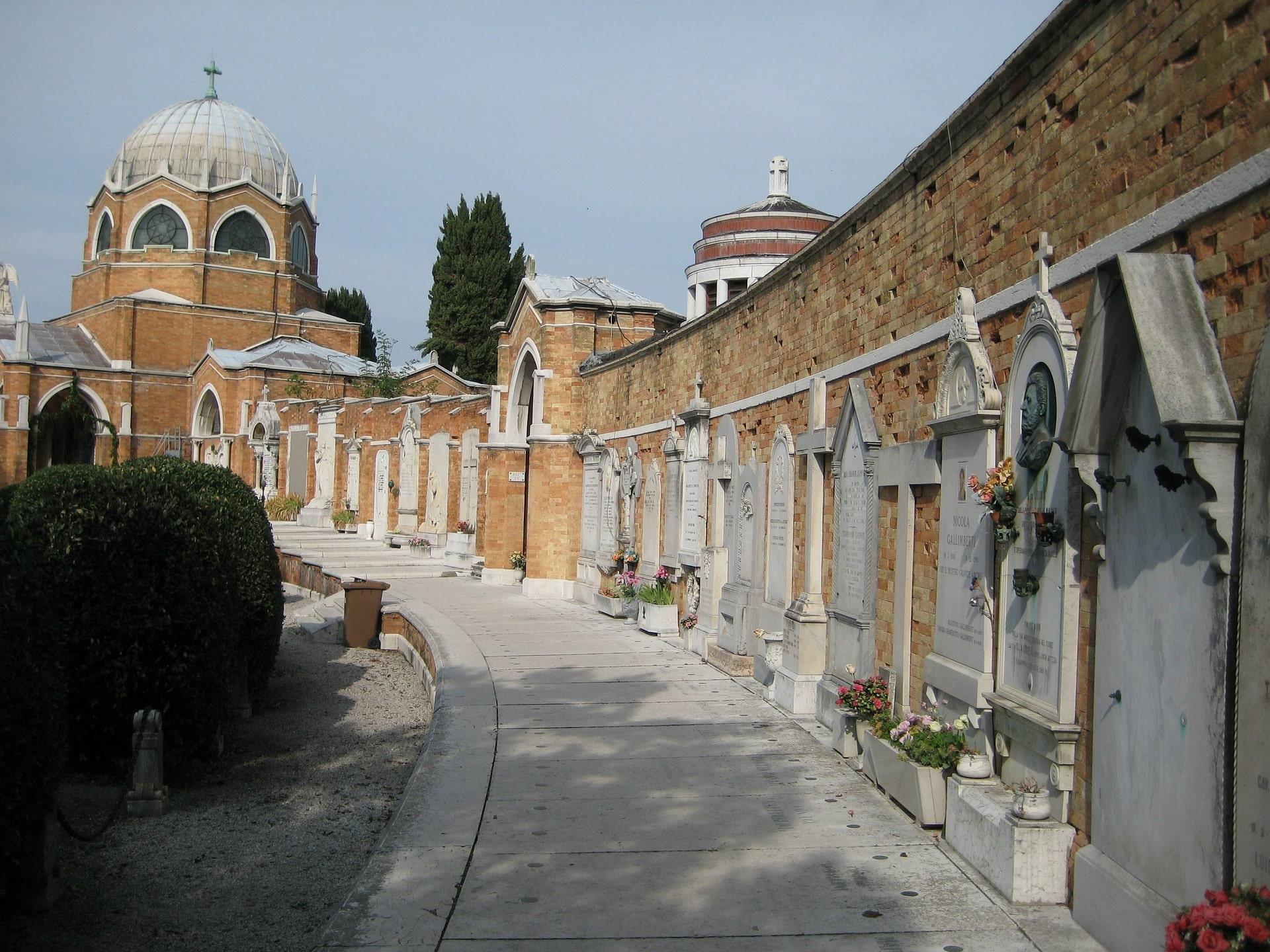 Le calme du cimetière de Venise