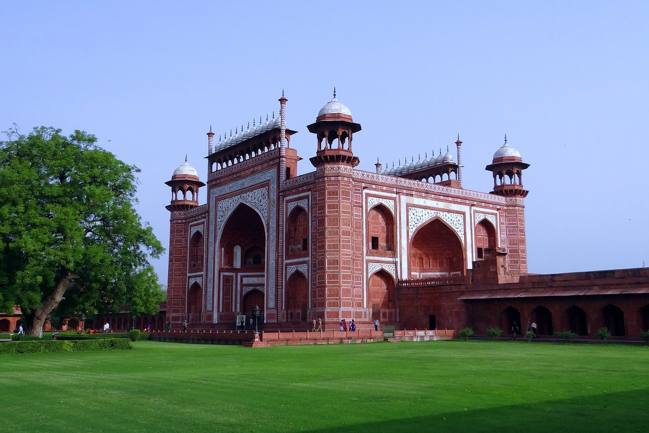 La grande porte du Taj Mahal