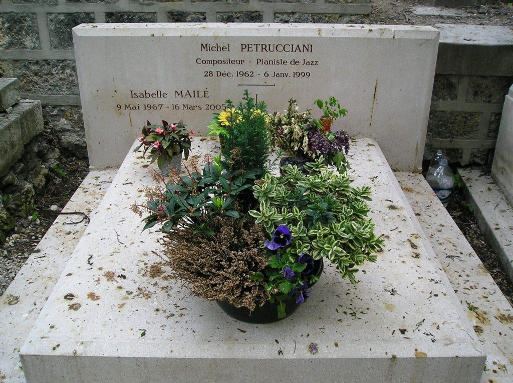 Différents styles de gravure pierre tombale