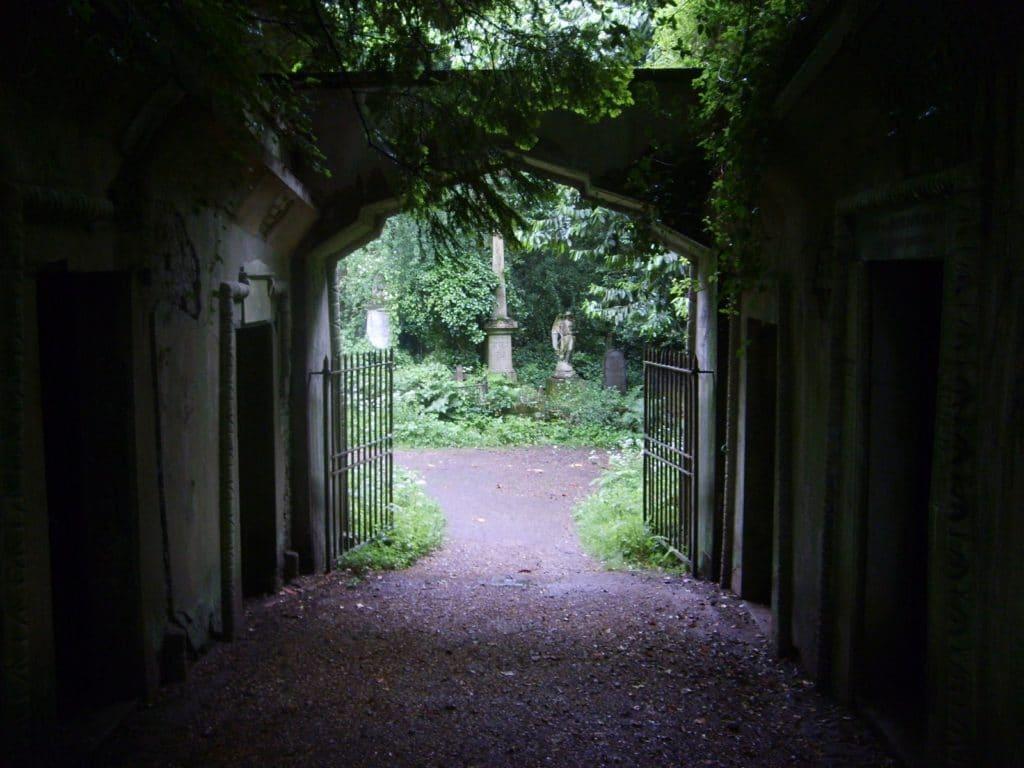 Au cimetière de Highgate, c'est une atmosphère si particulière qui s'en dégage