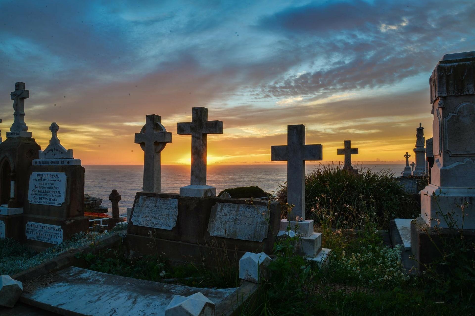 Monuments funéraires et concession funéraire