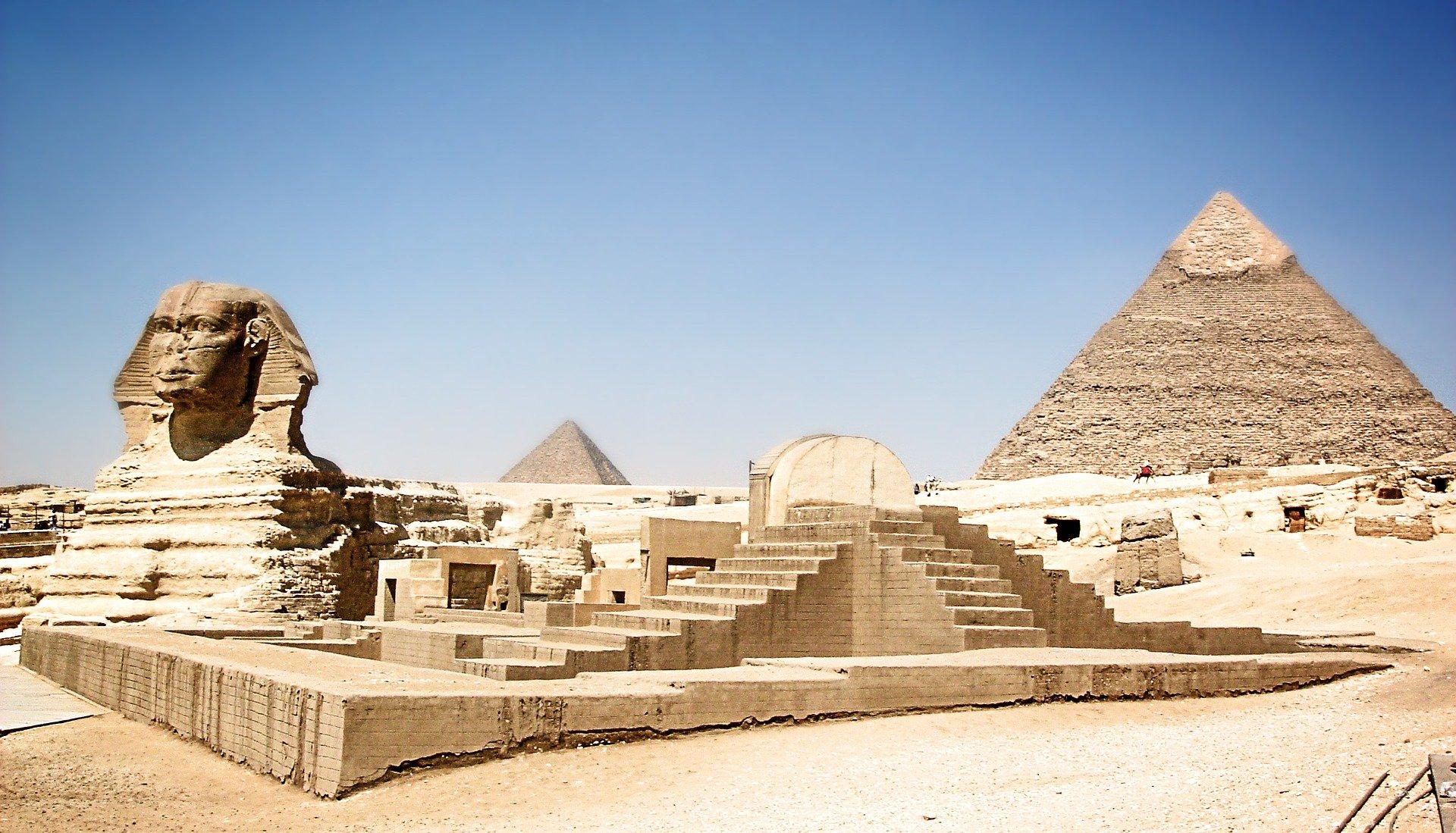 Le Sphinx et les pyramides de la nécropole de Gizeh