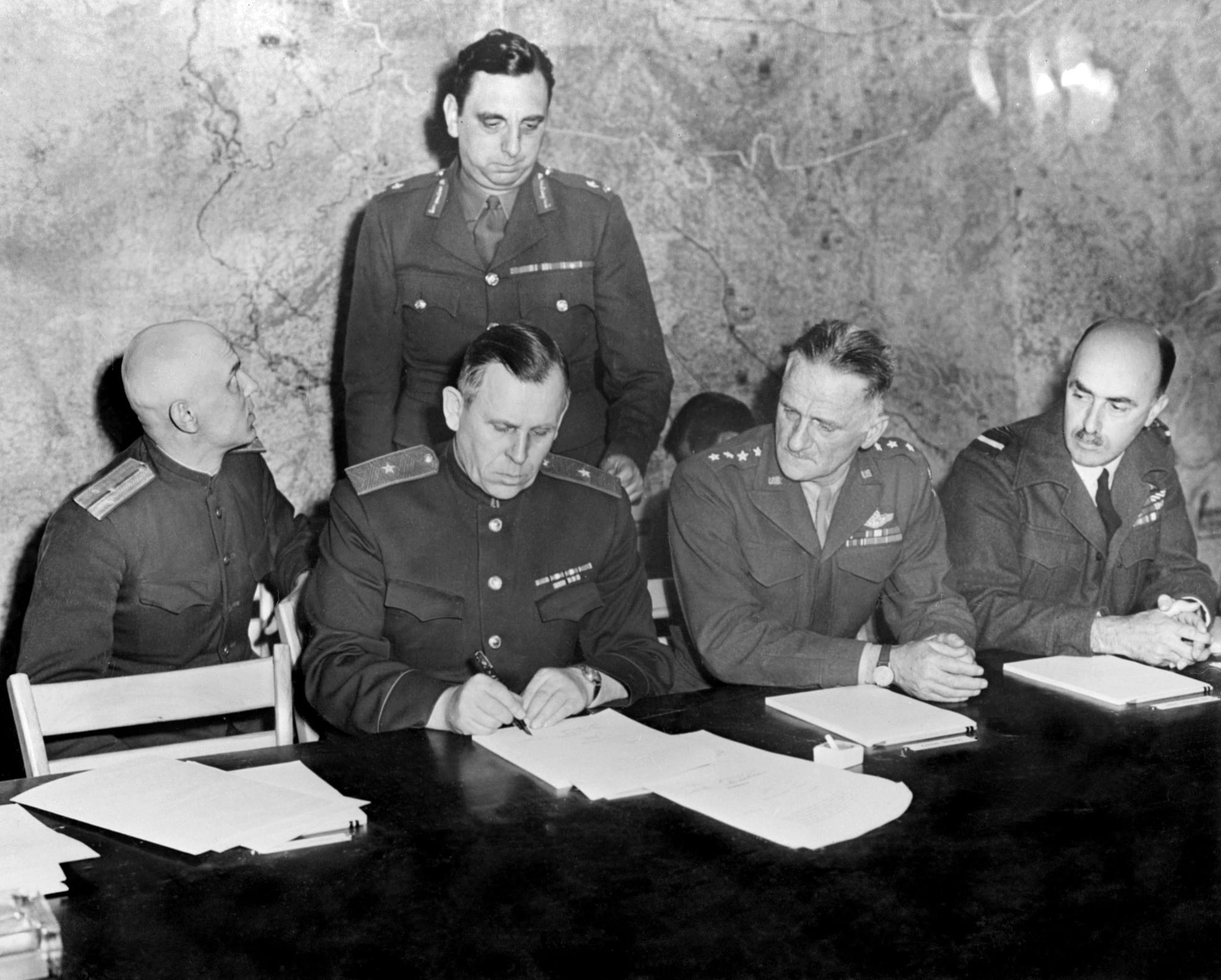 Illustration • Armistice 1945 : pourquoi le 8 mai est férié en France ?